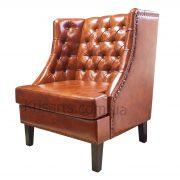Кресло с пуговицами